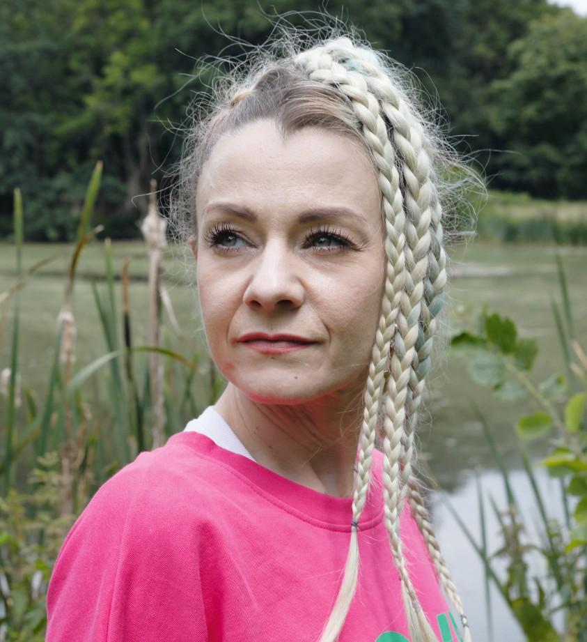 Armutsfalle Krebs - Melanie in der Natur_Bildnachweis Claudia Masur