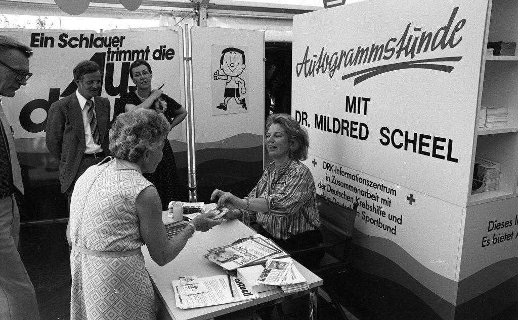 Autogrammstunde Mildred Scheel