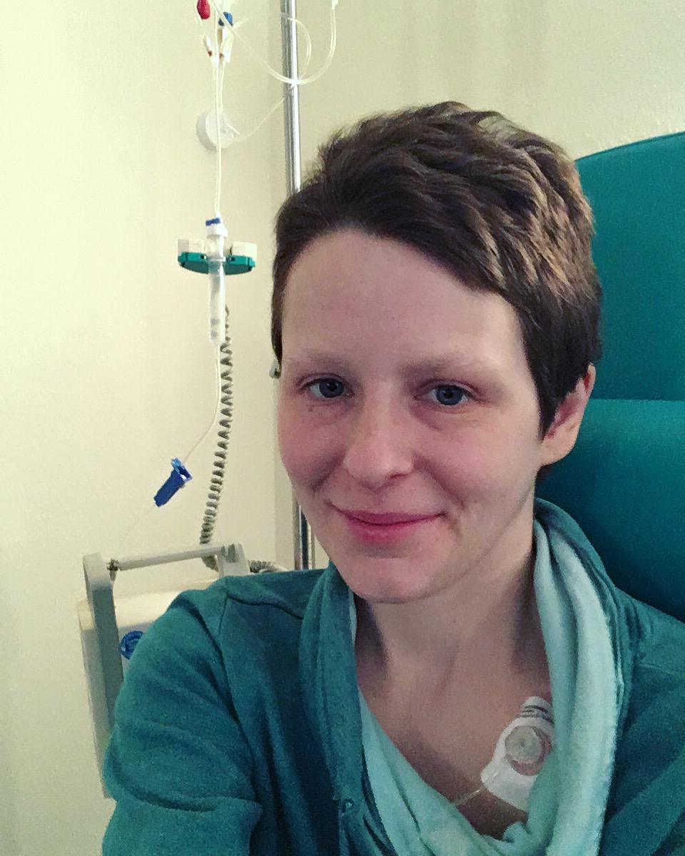 Mandy bei ihrer Krebstherapie